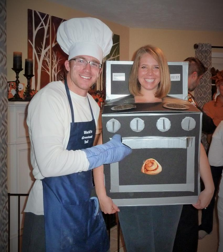 Bun in the oven Halloween costume for pregnant woman