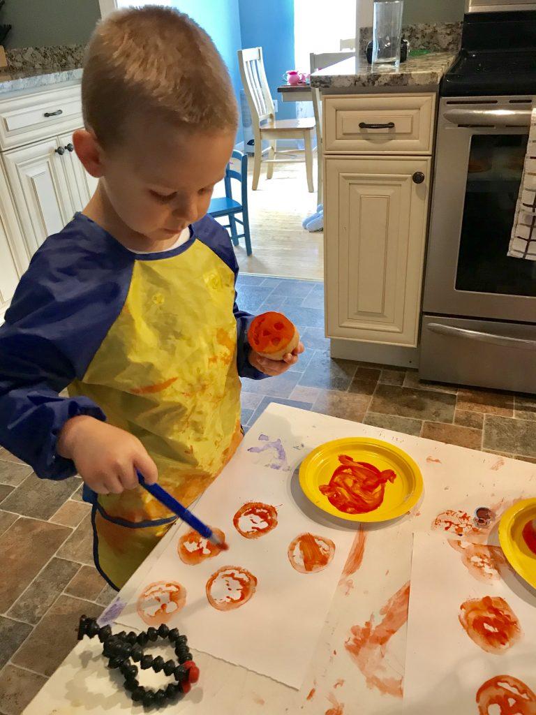 Halloween Potato Stamp Craft for Kids - Minimal materials, minimal steps, maximum cuteness!